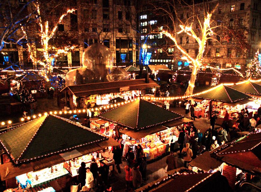 Christmas Market Vorosmarty Square, Budapest