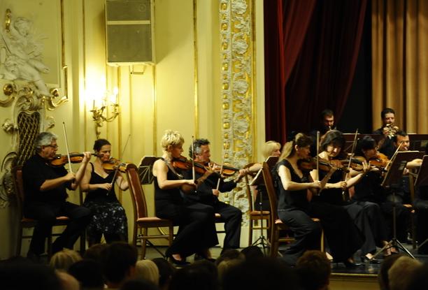 Duna Palota Chamber Orchestra