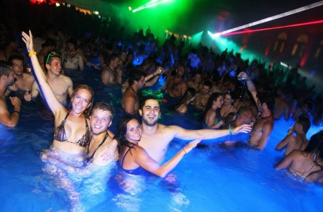 Big smile Budapest Sparty Cinetrip Szechenyi Bath