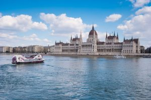 Winter Daytime Cruise in Budapest